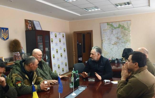 Фото: Павел Жебривский рассказал о встрече с активистами блокады Донбасса
