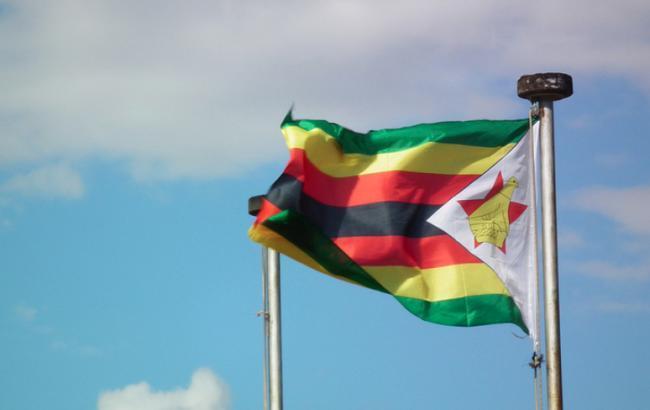Президент Зимбабве может встретиться с военным командованием в воскресенье