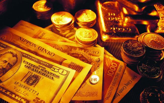 Фото: золото подешевшало на 0,2%