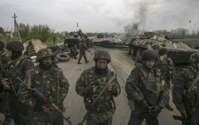В зоні АТО за добу загинули 2 військових, 5 поранені, - РНБО