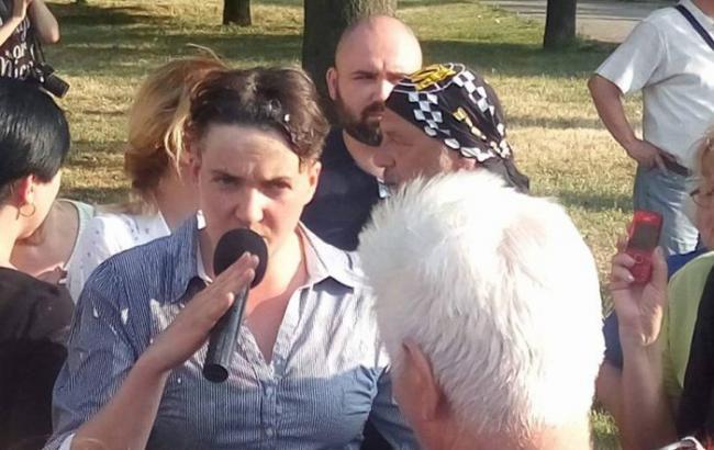 В Миколаєві активісти закидали яйцями Надію Савченко