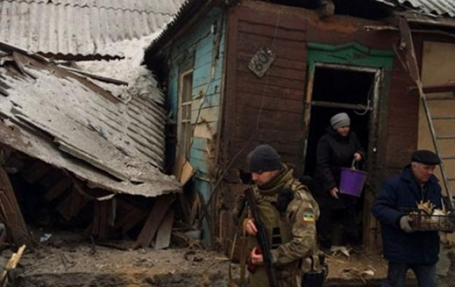 Найбільш напружена ситуація зберігається на Дебальцевському напрямку, - штаб АТО