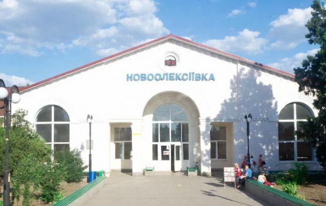 В районі адмінкордону з Кримом вибухнув автомобіль, є жертви