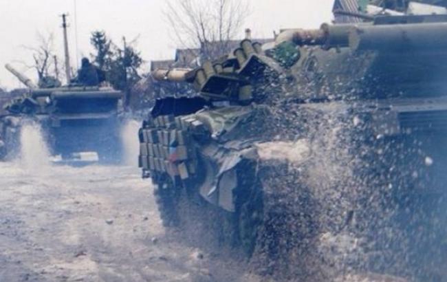 На Донбасі вже 10 тис. російських військових, - Міноборони