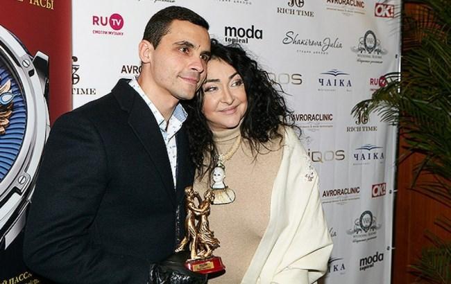 Фото: Лоліта з чоловіком (life.ru)