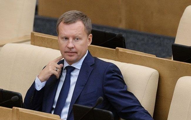 Повелитель украинского неба Сеня Яценюк выключает его для России