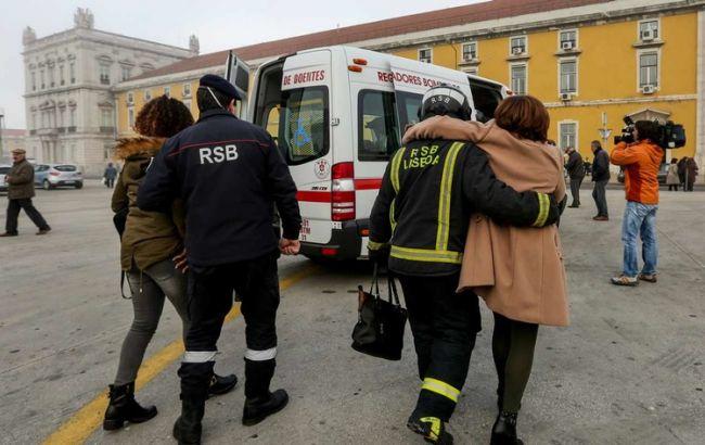 Паром с неменее чем 500 пассажирами врезался впричал вЛиссабоне