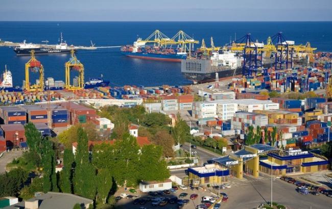 В Іллічівському порту в грудні очікують два судна з 162 тис. т вугілля з ПАР