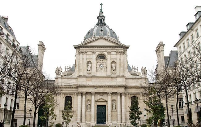 Протесты во Франции: в Париже закрыли Сорбонну из соображений безопасности