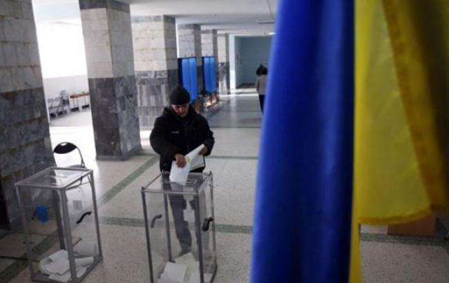 Ситуация на всех избирательных участках абсолютно контролируемая, - партия Яценюка