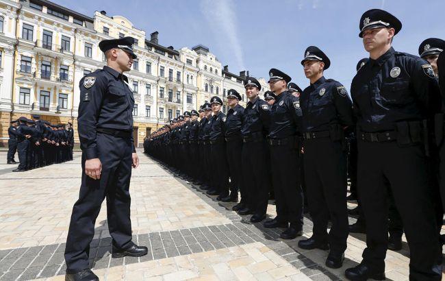 Фото: поліцейським можуть заборонити критикувати накази