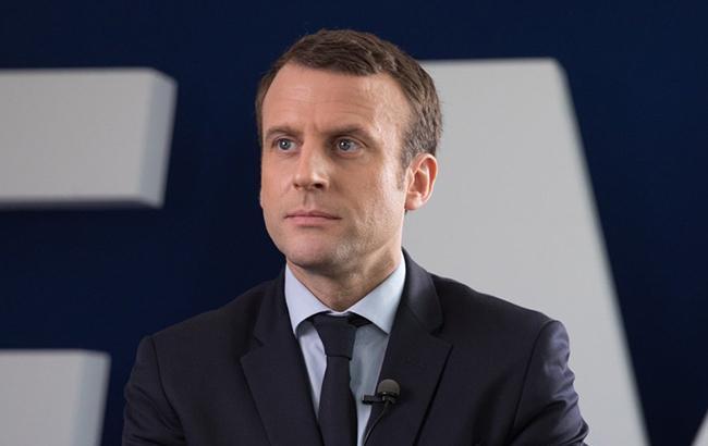 Вибори у Франції: екзит-поли дають перемогу партії Макрона