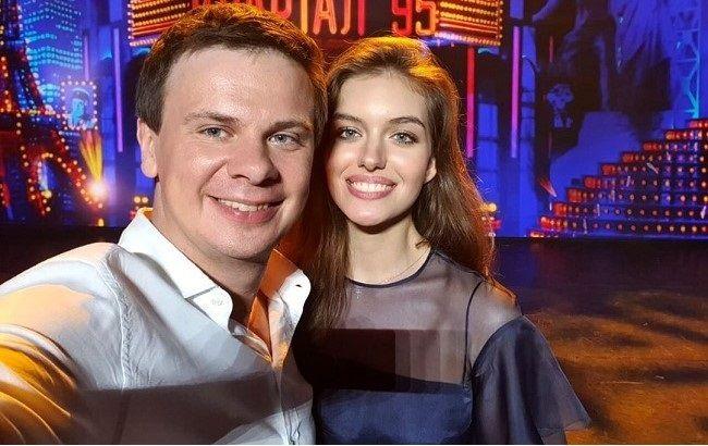 """""""Невероятно соскучилась"""": молодая жена Комарова съездила к нему в экспедицию"""
