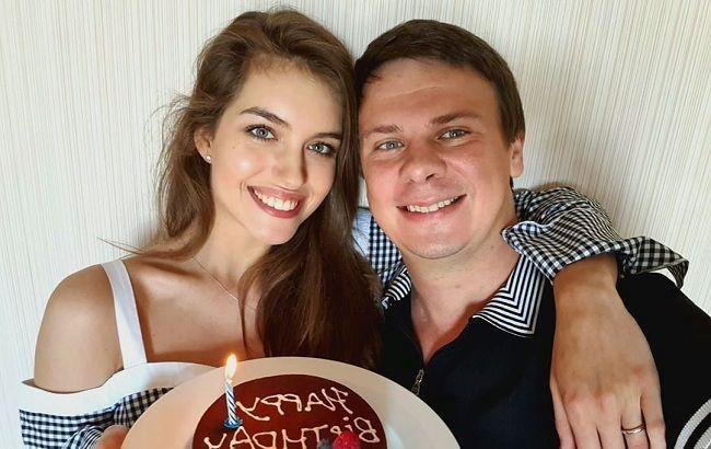 """""""Заповітна мрія"""": дружина Дмитра Комарова заінтригувала """"усміхненим"""" фото"""