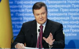 ЕС еще на год продлил санкции против Януковича и его окружения