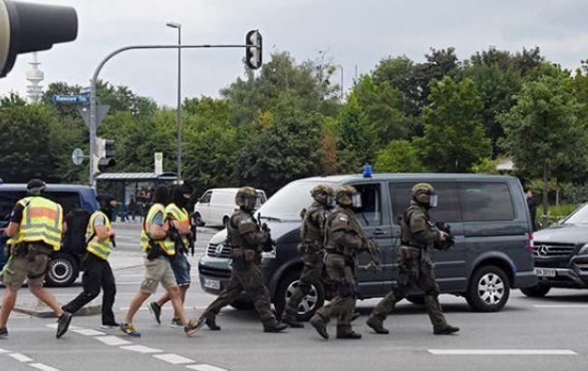 Фото: в стрельбе в Мюнхене подозревают теракт