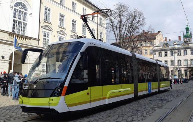 Во Львове подорожал проезд в трамваях и троллейбусах