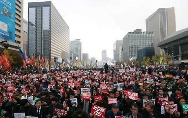 Фото: акция протеста в Сеуле