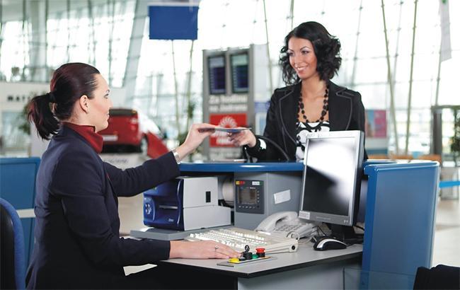 чому ціни на авіаквитки пішли різко вниз