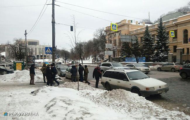 В Киеве активисты двинулись автопробегом к дому Порошенко