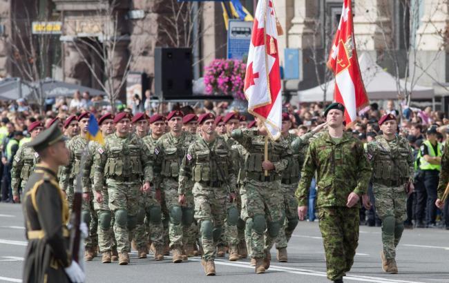"""В Госдуме РФ назвали парад в Киеве с военными НАТО """"утратой суверенитета"""" Украины"""