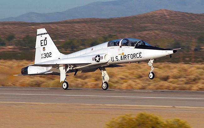 Фото: военный самолет (af.mil)
