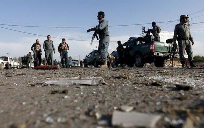 Фото: в Афганістані збільшилося число жертв в результаті теракту на авіабазі НАТО