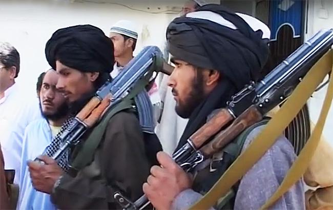 В Афганістані бойовики влаштували вибух і напали на мечеть, є жертви