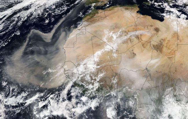 Огромный шлейф пыли движется из Сахары в Европу: какие страны накроет