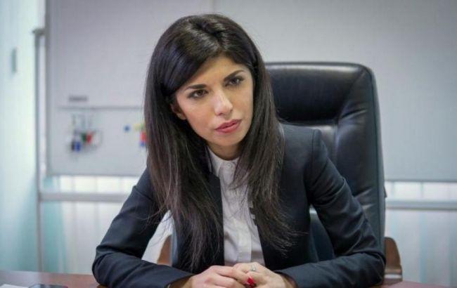 """Звільнена за корупцію екс-уповноважена АМКУ розкритикувала програму """"Укравтодору"""""""