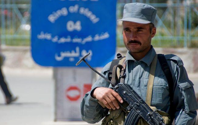 Понад 300 афганських військових перейшли кордон з Таджикистаном після бою з талібами