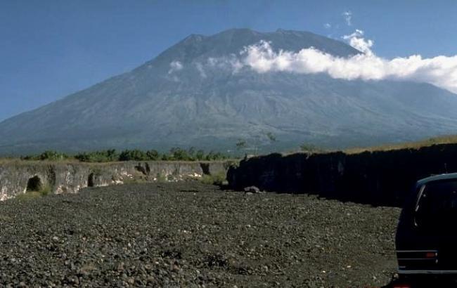 На Балі через виверження вулкана скасували близько 450 авіарейсів
