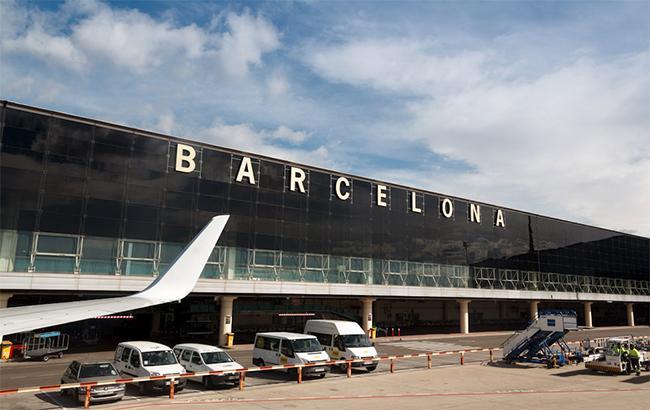Персонал службы безопасности ваэропорту Барселоны начинает бессрочную забастовку