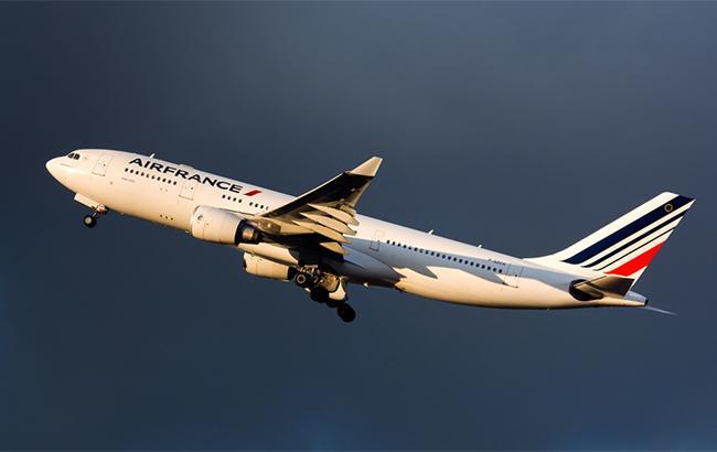 Мировые авиакомпании временно прекратили полеты над Сирией