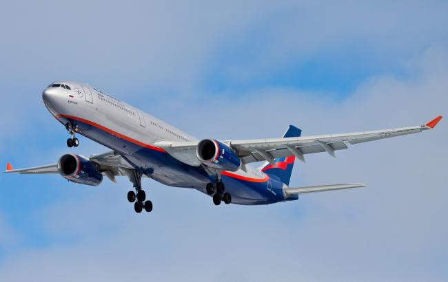 Російські літаки облітають територію України