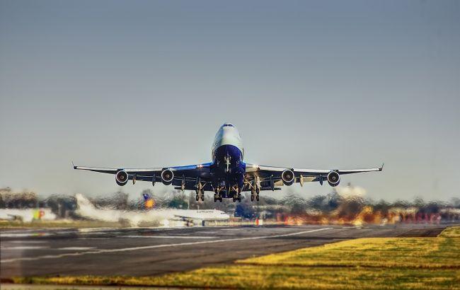 Авіакомпанії розпродають квитки за безцінь: що приховується за низькою ціною