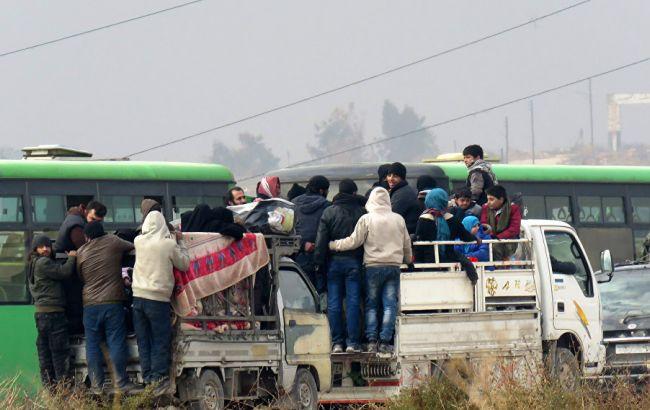 Красный Крест возобновил эвакуацию извосточной части сирийского Алеппо