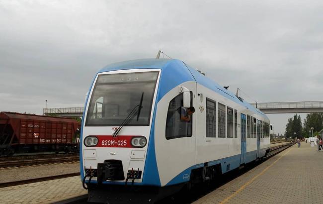 УЗ закончила строительство эстакады через дорогу Киев-Харьков для поездов в Борисполь