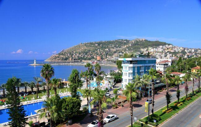 Весна на Середземному морі: стали відомі ціни на гарячі тури в Аланію та Кемер