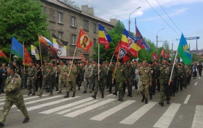 """Фото: У """"ЛНР"""" добре заробляють тільки бойовики (censor.net.ua)"""