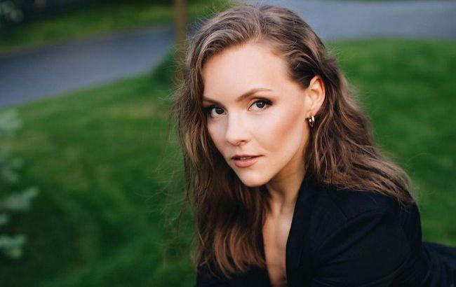 Без укладки и макияжа: Алена Шоптенко восхитила поклонников натуральной красотой