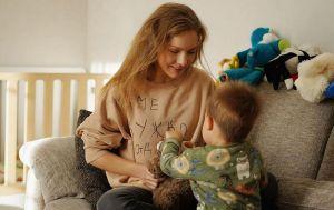 Наполегливий мужичок: Олена Шоптенко розсмішила історією, як її крихта-син будить її вранці
