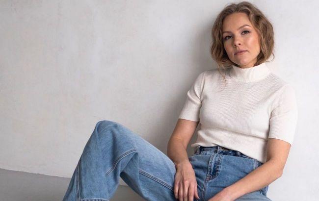 Сумка-кошелек и куртка-оверсайз: Алена Шоптенко показала самый трендовый образ осени