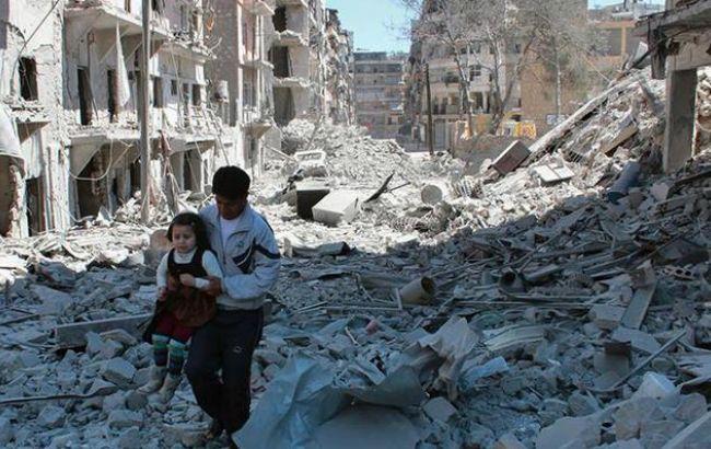 Фото: українців закликають покинути сирійський Алеппо