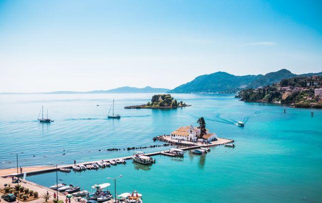 Бухти, пляжі та венеціанська спадщина: чим цікавий Корфу - улюблений курорт італійців в Греції
