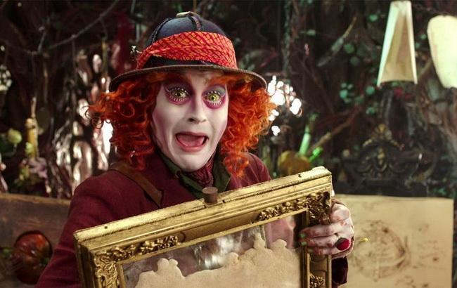 Фото: Джони Депп в Alice Through the Looking Glass (The Independent)