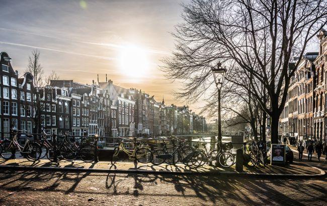 В Нидерландах владельцы ресторанов и кафе подали в суд из-за карантинных мер