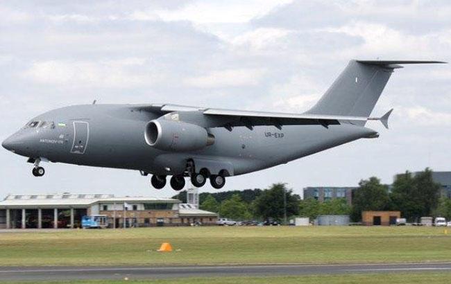 """Компания """"Антонов"""" опубликовала головокружительное видео полета нового военного транспортника"""