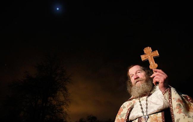 Фото: В России священники отправят мощи святого на МКС (theguardian.com)