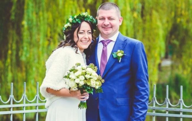 Український військовий льотчик одружився на волонтера, яка його поставила на ноги